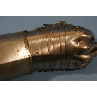 English Riding Gauntlet Circa 1640